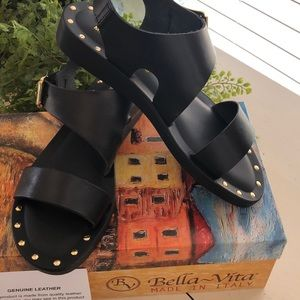 Bella Vita new in box leather sandal Italian made
